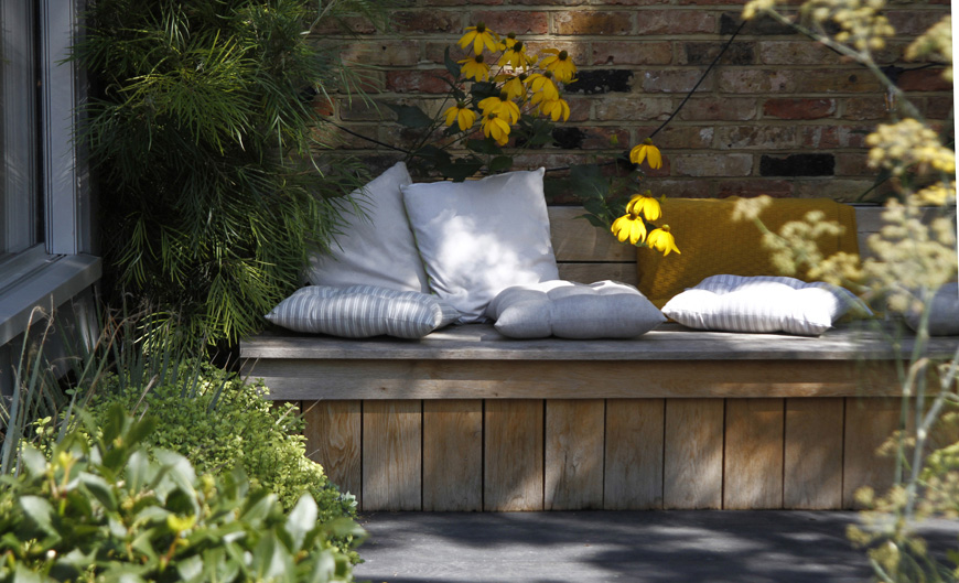 creating a bespoke oak bench for morning coffee, Blackheath garden design by greencube